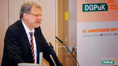 Photo: Eröffnung der 59. Jahrestagung der DGPuK: Präsident der Universität Passau, Burkhard Freitag   Foto: Janertainment Janine Amberger