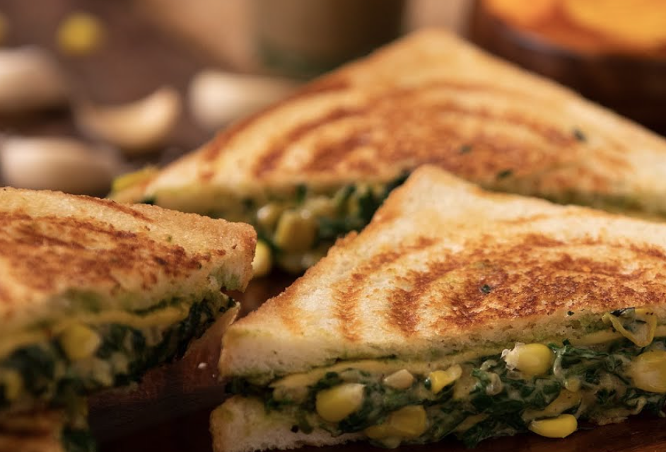 easy-diet-friendly-sandwiches_spinach_and_corn