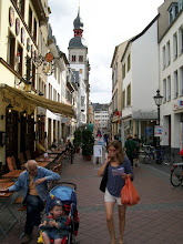 Photo: 2e Dag, vrijdag 17 juli 2009. Meerbush- Remagen Dag afstand: 109,2 km, Totaal gereden: 215 km.Bonn
