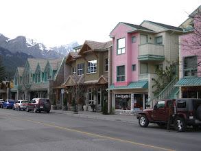 Photo: Canmore.