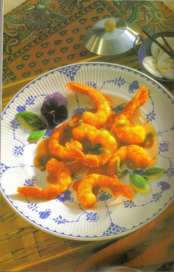 Combine shrimp, wine, garlic, paprika, and red pepper in a medium bowl; mix well....