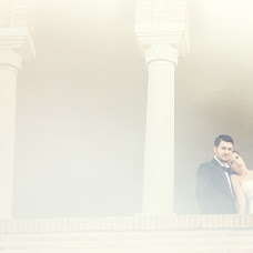 Wedding photographer Luchian Comsa (comsa). Photo of 14.02.2014