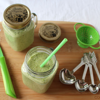 Refreshing Romaine Lettuce and Fuji Apple Smoothie