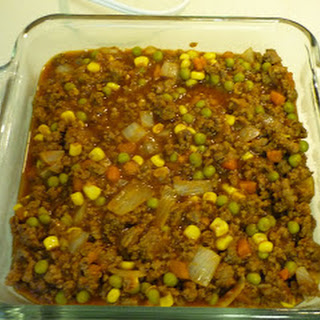 GROUND BEEF WITH CORN, PEAS AND CARROTS