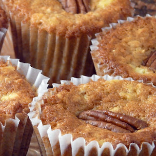 Oatmeal And Apple Buttermilk Muffins.