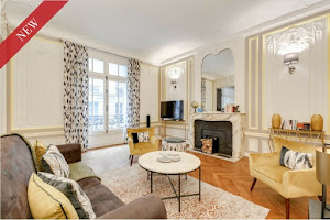 3 bedroom serviced apartment in Champs Elysees