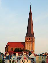Photo: der schlanke Turm von St. Petri