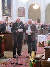Photo: Die Fürbitten beten heute die KoloMänner, deren Mitglied auch Hans ist. Die KoloMänner sind eine aktive Stockerauer Männergruppe.