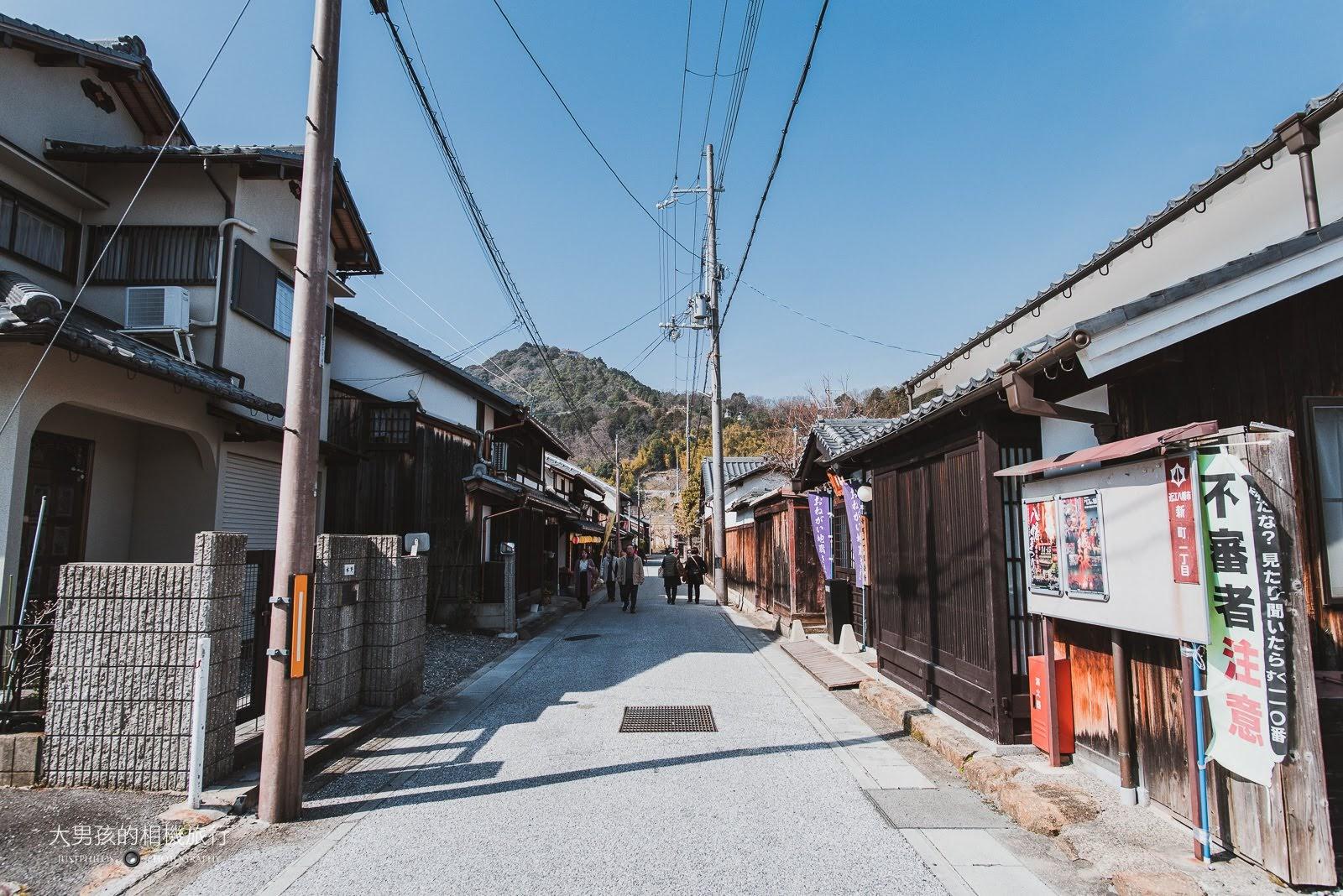 八幡堀街道上都是居有濃厚歷史氣息的日式建築。