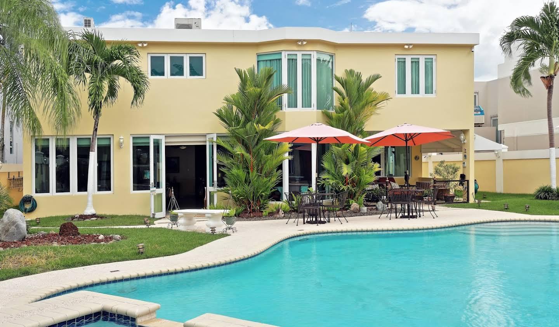 House with pool San Juan
