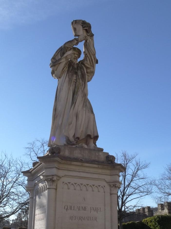Statue Guillaume Farel à Neuchâtel