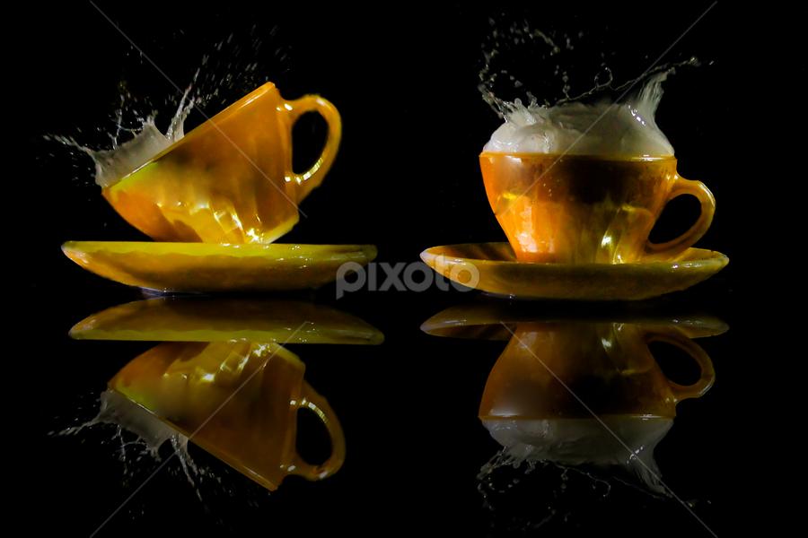 HOT MILK by Alfian  Ismail - Artistic Objects Glass ( milk glass miror )