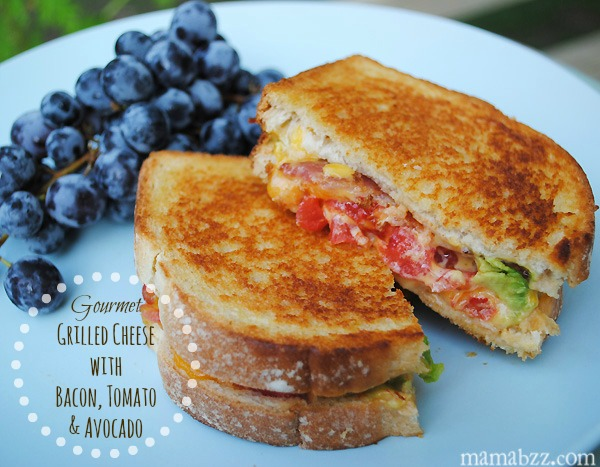 Gourmet Grilled Cheese with Bacon, Tomato, and Avocado Rezept | Yummly