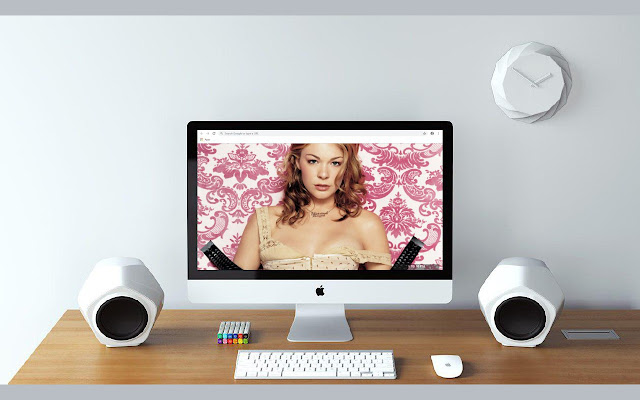 LeAnn Rimes New Tab & Wallpapers Collection