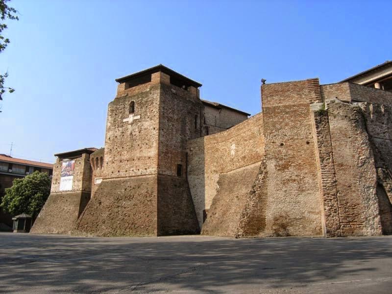 Замок Сиджизмондо (Castel Sismondo)