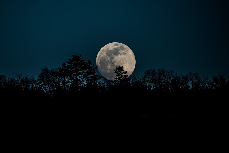 Spunta la luna dal monte ... di Winterthur58