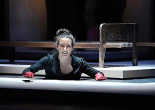 Photo: Wien/ Theater in der Josefstadt: KAFKA - EIN PROJEKT VON ELMAR GOERDEN. Premiere 25.4.2015. Regie: Elmar Goerden. Maria Köstlinger. Foto: Barbara Zeininger