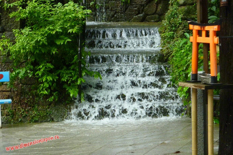 P1060865 El Recinto del Nanzoin Daibutsu  inundado (Fukuoka) 15-07-2010