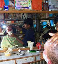 Photo: In Khandbari die obligatorische After Trekk Rasur beim Barbier