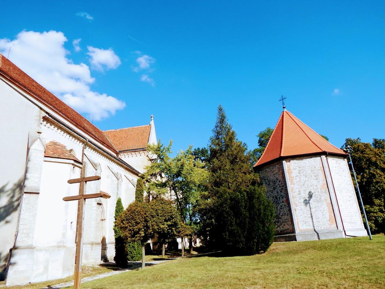 Sopron - Szent Jakab apostol kápolna a keresztúttal