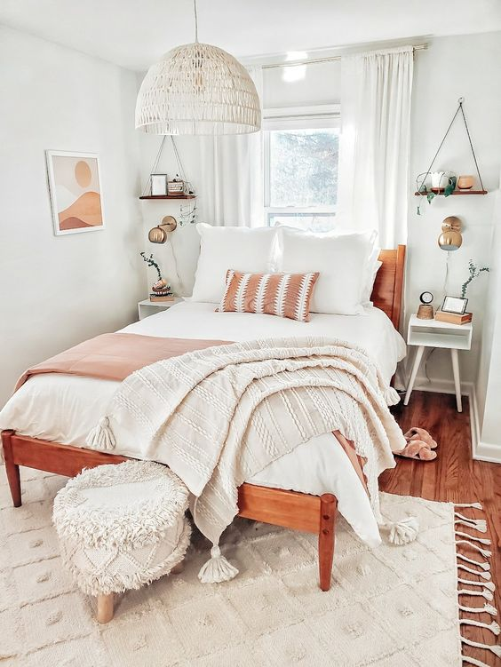 Neutral Bedroom Decorating Ideas in Mid-Century Style