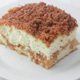 Easy Apple Cinnamon Crumb Cake.