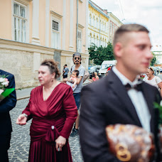 Wedding photographer Volodimir Lesik (Tsembel). Photo of 12.04.2018