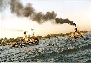 Photo: Sail Amsterdam, 2000 Op weg naar het 'hoge' noorden... (ingezonden door D.Boekweit)