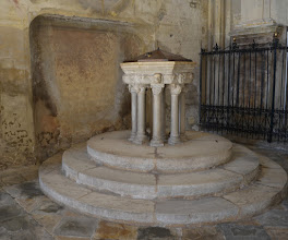 Photo: Fonte battesimale (XIV sec.)