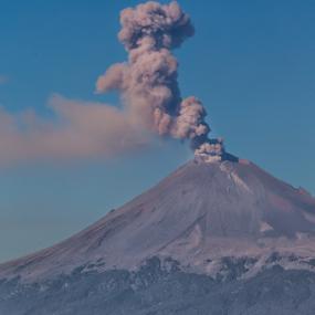 Smoking volcano by Cristobal Garciaferro Rubio - Landscapes Mountains & Hills ( volcano, popo, mexico, puebla, popocatepetl, smoking volcano )