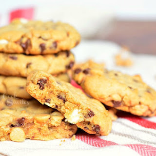 Real Men Bake Cookie! Soft and Gooey Loaded Peanut Butter Cookies #WeekNightKitchen