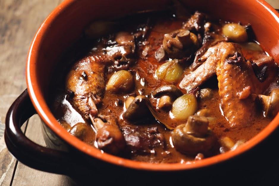 Coq au vin plato típico de Francia