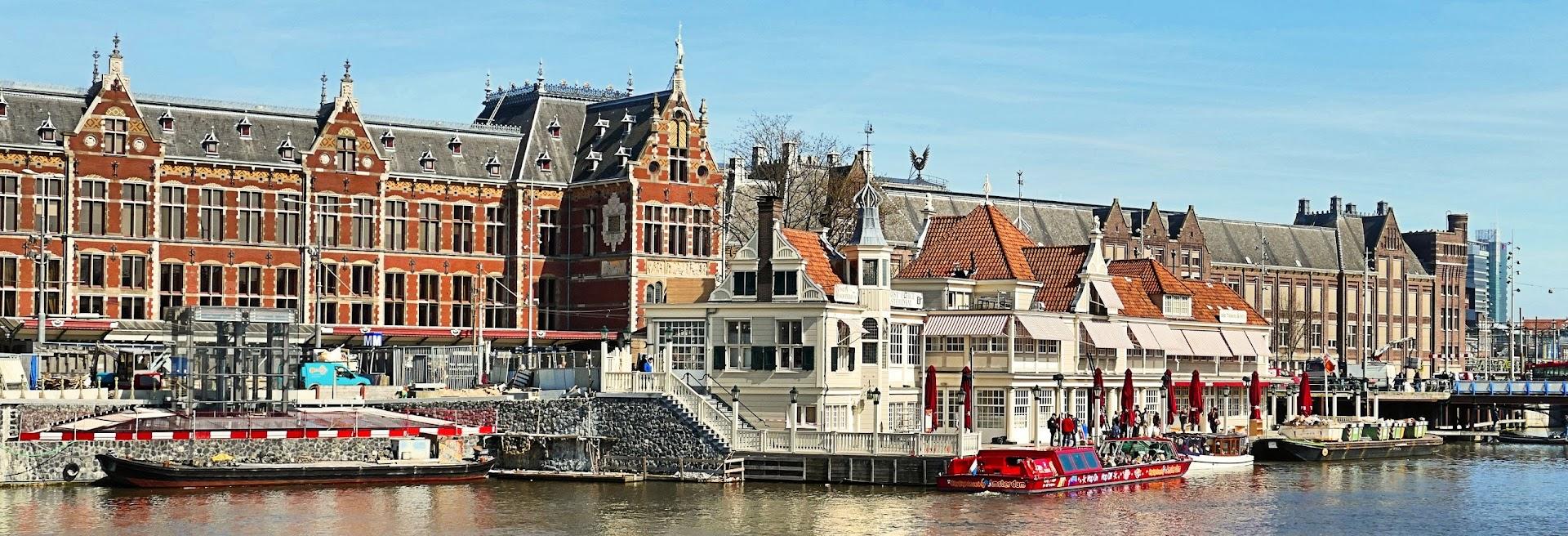 Aangeboden door: Stichting Microtoerisme InZicht Fotoblog Amsterdam smits koffiehuis noord zuid hollandsch loetje centraal station