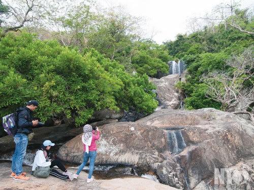 Vườn quốc gia Núi Chúa, khám phá thác 3 tầng 3