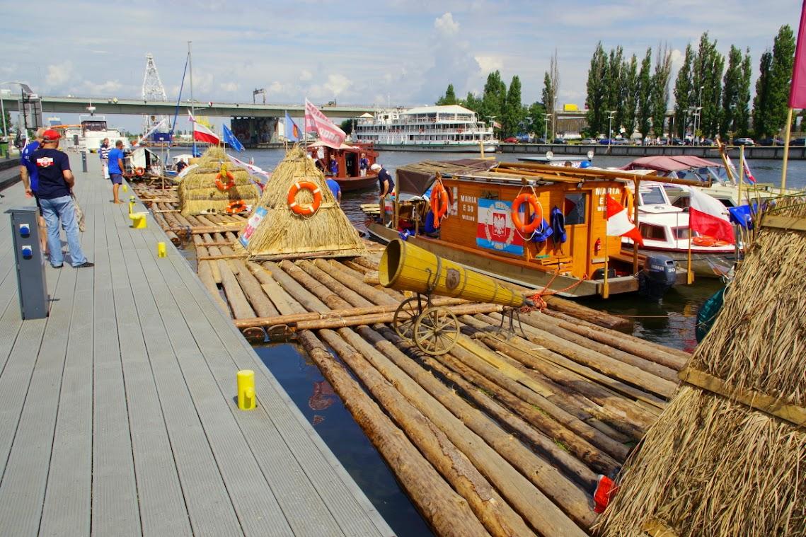 Am Hafen machen die Flößer fest, an diesem Wochenende in Szczecin. Foto: Andreas Schwarze (asc)
