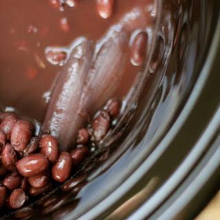 Basic Slow Cooker Black Beans.