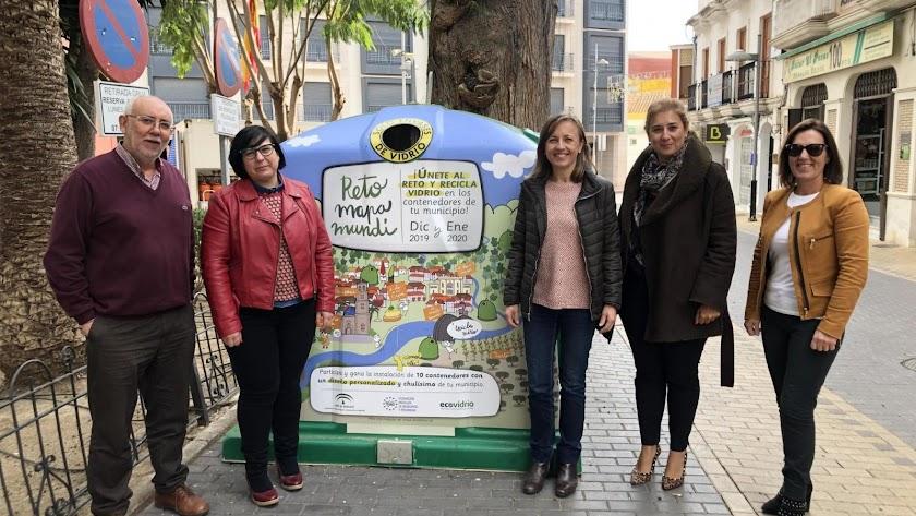 La campaña busca aumentar un 10% el reciclaje de vidrios.