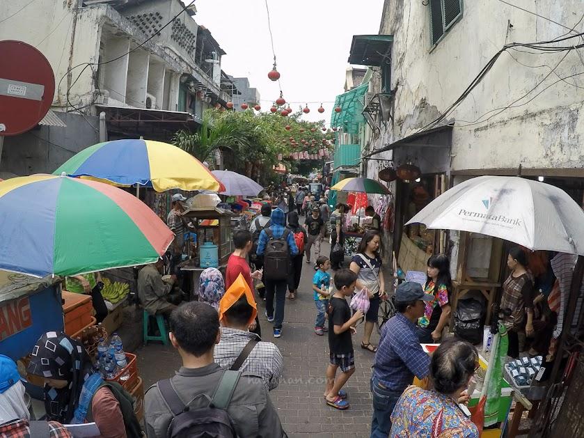 Salah satu gang Pasar Petak Sembilan