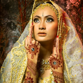 by Suardhito Pratama - People Portraits of Women