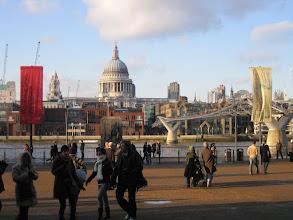Photo: Blick von Tate Modern auf St. Paul's Cathedral