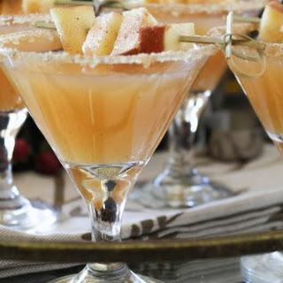 Thanksgiving Vanilla Bean Caramel Apple Cider Sparkling Cocktail.