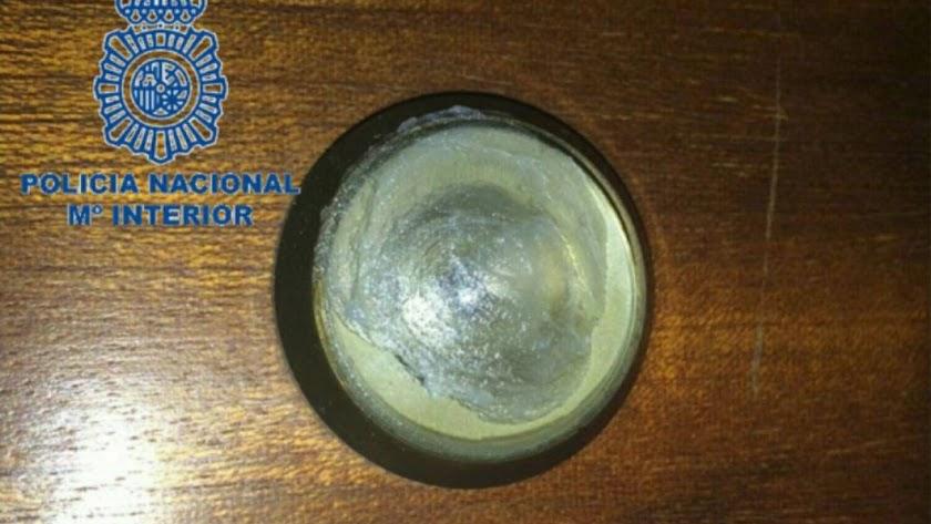 Una mirilla manipulada por ladrones / Policía