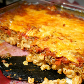 Easy Macaroni and Cheese Casserole.