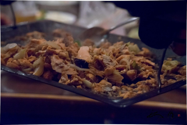 森副村長が釣った貴重な鮭で料理された「ちゃんちゃん焼き」