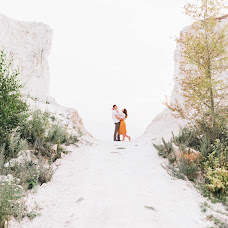 Wedding photographer Anna Lisovaya (AnchutosFox). Photo of 17.07.2018