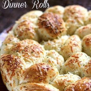 Easy Parmesan Garlic Dinner Rolls