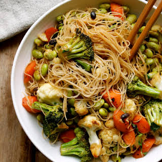 Brown Rice Vermicelli with Salted Beans, Veggies & Edamame.