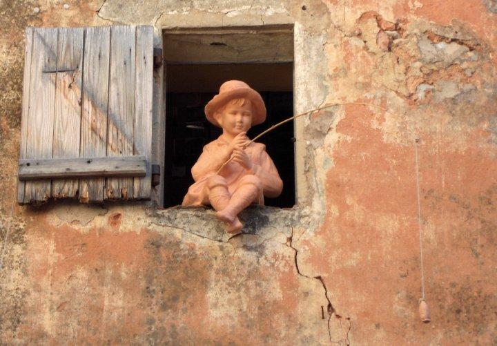 Dalla finestra butta l'esca e pesca !!! di giaps