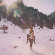 Wedding photographer Vladimir Esikov (Yess). Photo of 05.04.2014