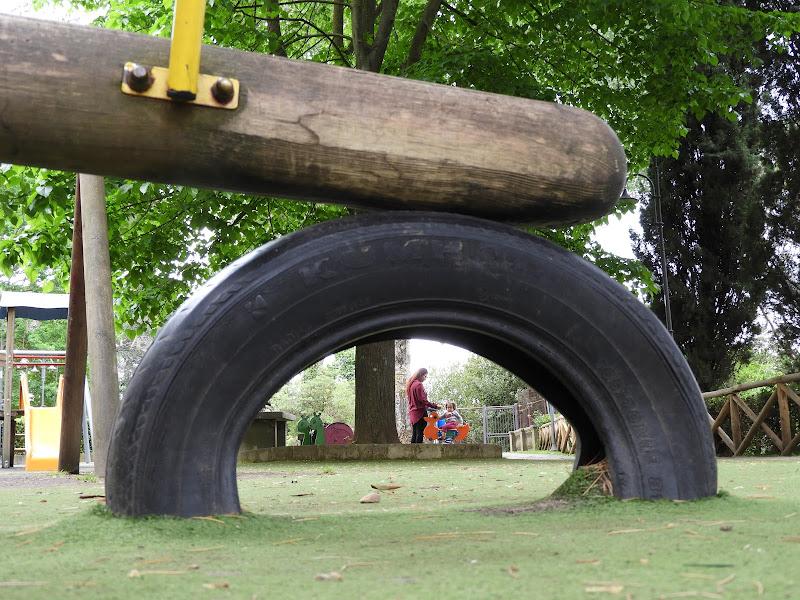 Una mattina al parco giochi. di claudio_sposetti